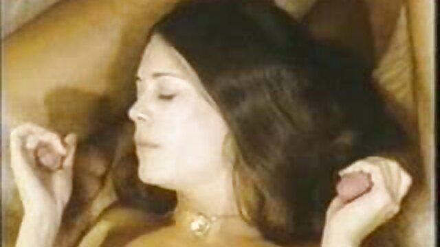 Chiteria ستاره فیلم های پورنو Milf به دیک بزرگ سوپر خارجی کوتاه پاشید